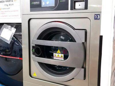 เครื่องซักอบผ้าหยอดเหรียญ DOMUS Clean&Go - ร้าน MEGA Wash&Dry - 1