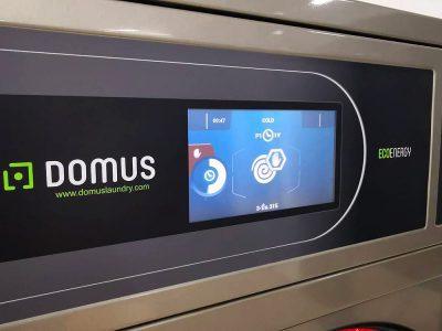 เครื่องซักอบผ้าหยอดเหรียญ DOMUS Clean&Go - ร้าน MEGA Wash&Dry - 2
