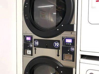 เครื่องซักอบผ้าหยอดเหรียญ DOMUS Clean&Go - ร้าน MEGA Wash&Dry - 3