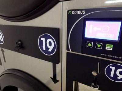 เครื่องซักอบผ้าหยอดเหรียญ DOMUS Clean&Go - ร้าน MEGA Wash&Dry - 5