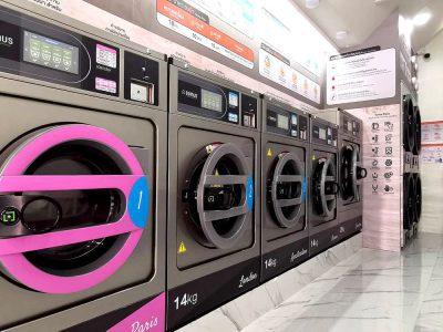 เครื่องซักอบผ้าหยอดเหรียญ DOMUS Clean&Go - ร้าน The Laundry Room Bangkok - 4