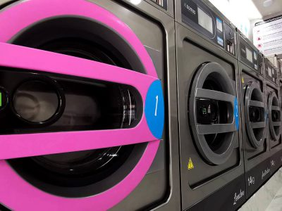 เครื่องซักอบผ้าหยอดเหรียญ DOMUS Clean&Go - ร้าน The Laundry Room Bangkok - 8